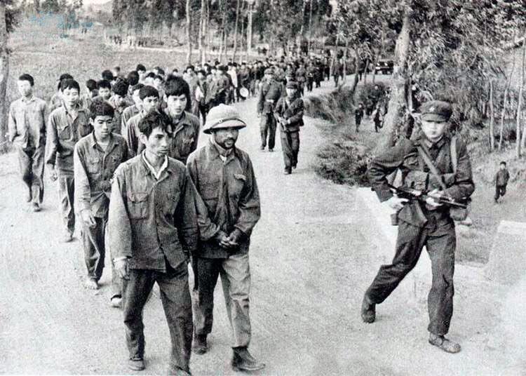 Три вьетнамские дивизии были разгромлены в первую неделю китайского вторжения