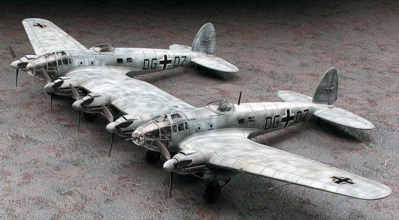 """Модель """"цвилинга"""" He-111. Только представьте себе пилота управляющего этим самолетом с прицепленным сзади планером!"""