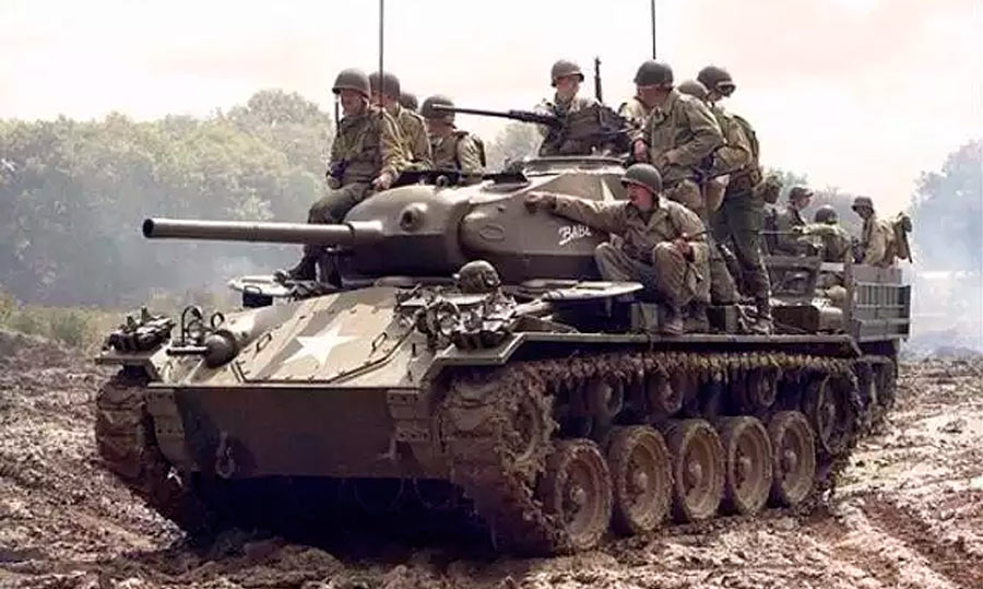 Легкий танк M24 «Чаффи» (США)