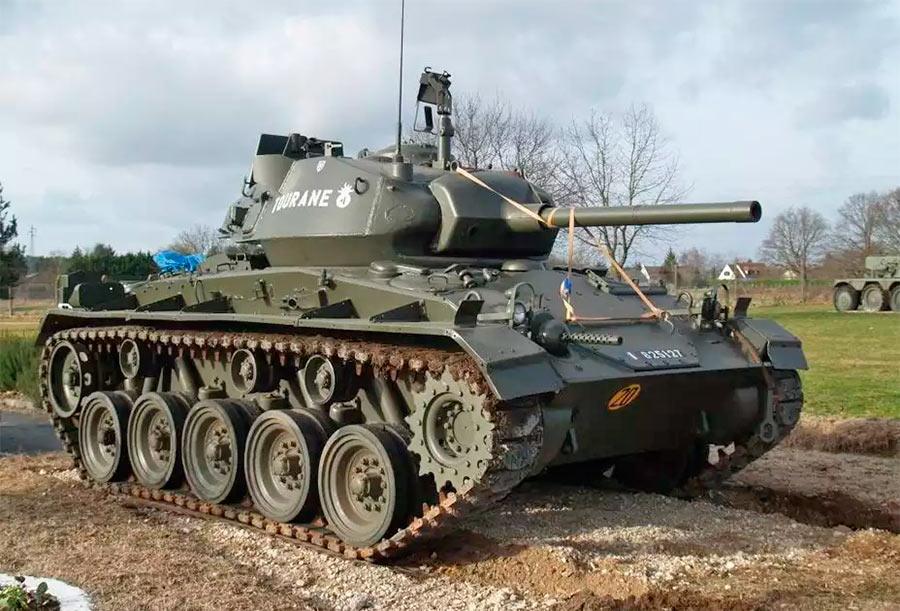 Американский легкий танк М24 «Чаффи». Как можно его спутать с немецкой «пантерой»?