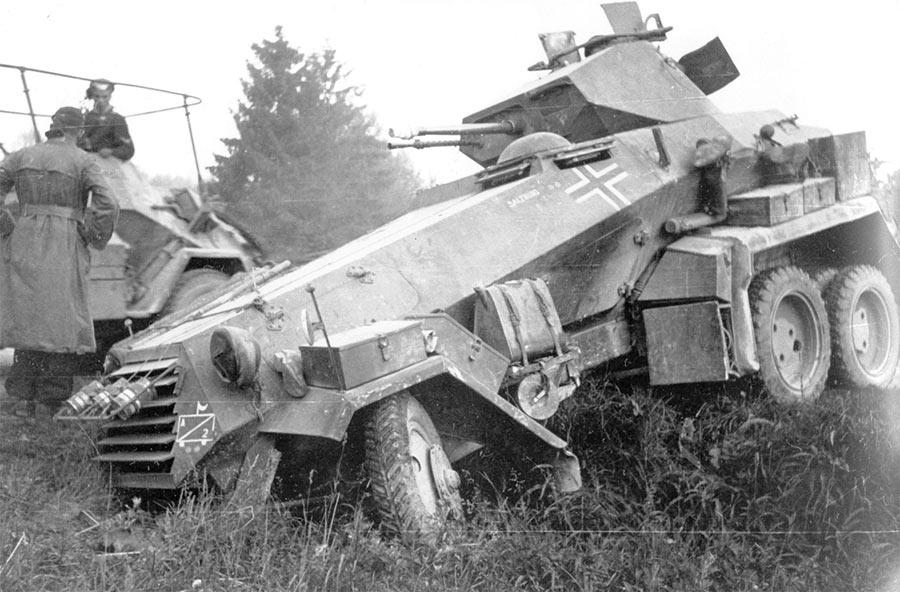 Завидной проходимостью kfs-231 (6-колесный) не отличался. Съехал с дороги - и вперед за трактором
