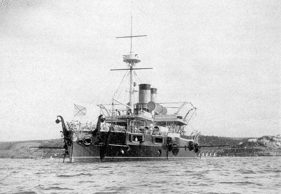 Броненосец «Чесма», 1880-е г.г. Среди прочих должен был подавлять турецкие форты