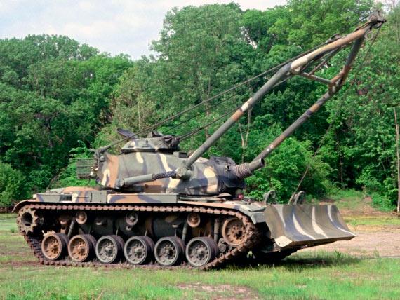 Саперный танк M728.