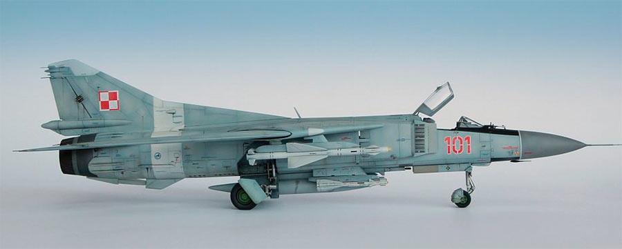 Модель истребителя МиГ-23