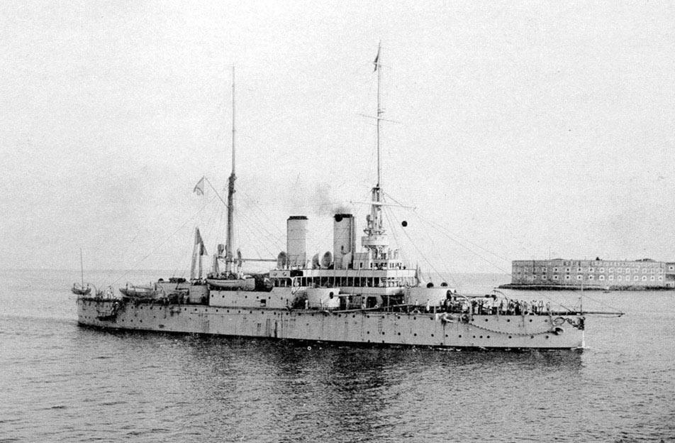 «Ростислав» - первый «океанский» броненосец для Черного моря.