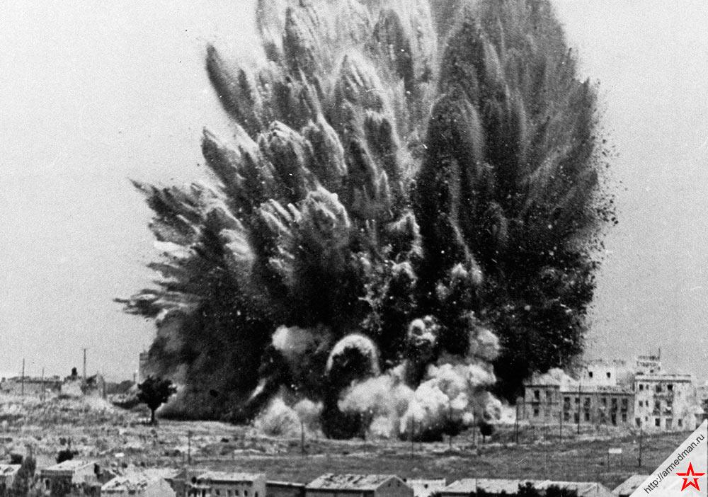 Взрыв здания в Мадриде с засевшими в нем фашистами