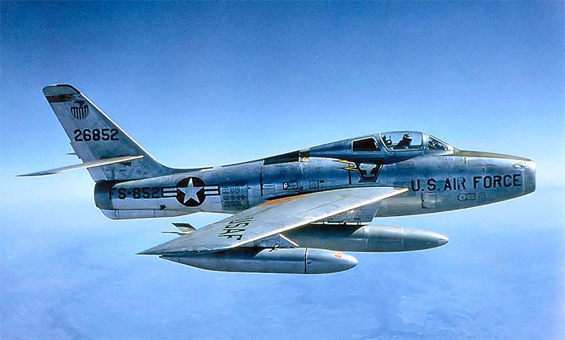 F-84F «Тандерстрайк» - очевидное сходство с «Тандерджеком» бросается в глаза далеко не сразу