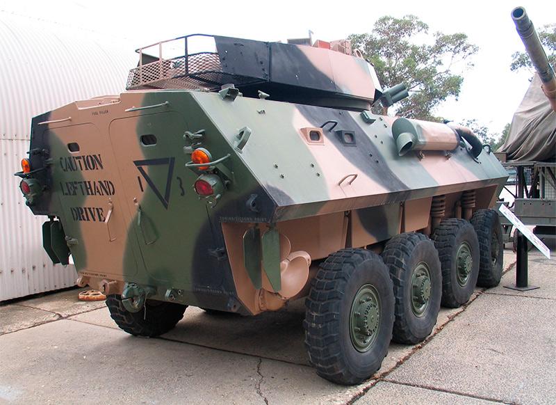 Колесная боевая машина LAV-25 - вид сзади
