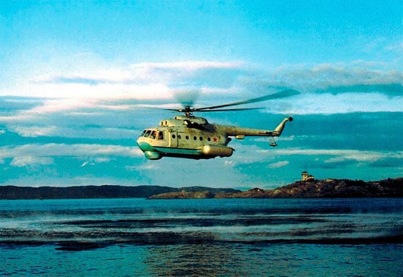 Военный вертолет-амфибия Ми-14 с противолодочным оборудованием