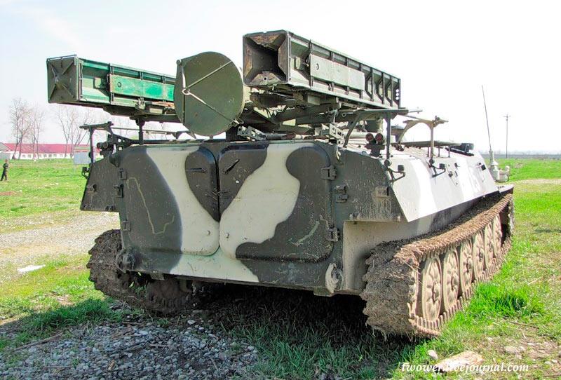 Боевая машина ЗРК «Стрела-10» 9К35. Вид сзади