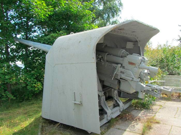 130-мм артиллерийская установка Б-13, вид сзади