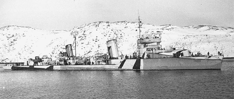 Лидер эсминцев «Баку» на Северном флоте, в камуфляжной окраске