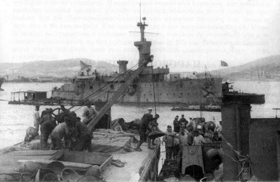 Канонерская лодка «Гиляк» вскоре после постройки. Не такой и маленький военный корабль, как видно по фото.