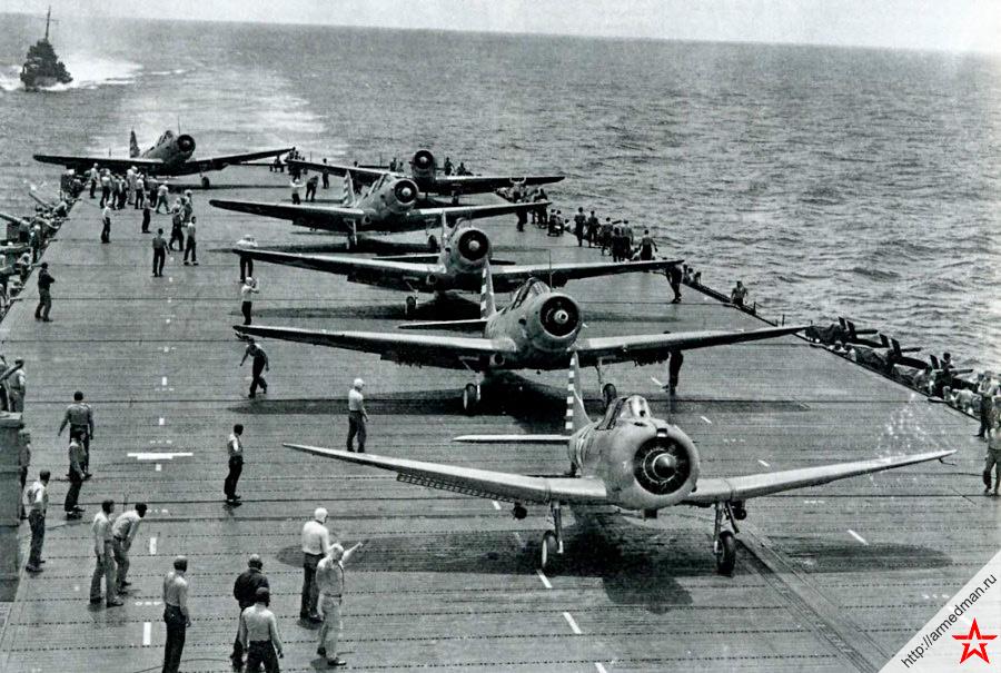 Взлет «Донтлессов» с авианосца «Йорктаун»