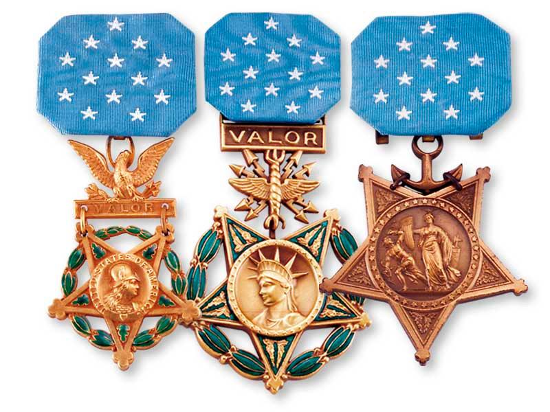 Американские Медали Почета (Medal of Honor). Слева направо: Армия, ВВС, ВМФ