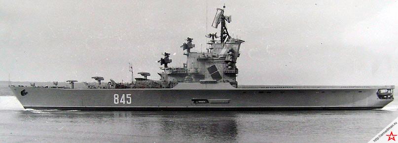 Крейсеры проекта 1123 «Ленинград» и «Москва» имеют столь запоминающиеся силуэты, что на долгое время стали узнаваемыми визитными карточками  советского военного флота.