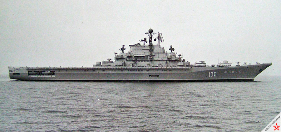 ТАКР «Минск» - в отличие от последующих «Кречетов» проекта 1143, и Минск и Киев были весьма странными кораблями.