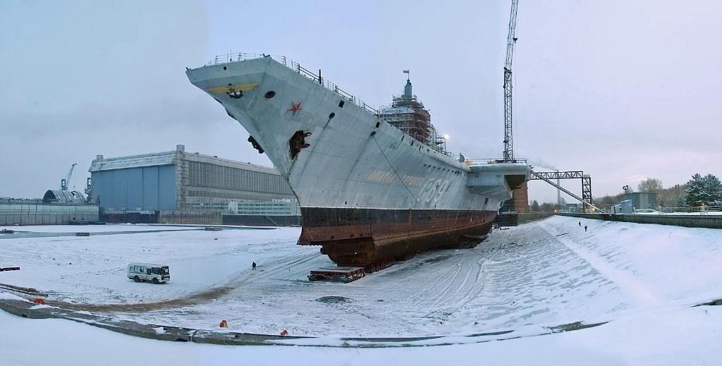 ТАКР «Адмирал Горшков»  поставленный на «тележки» с фото выше.