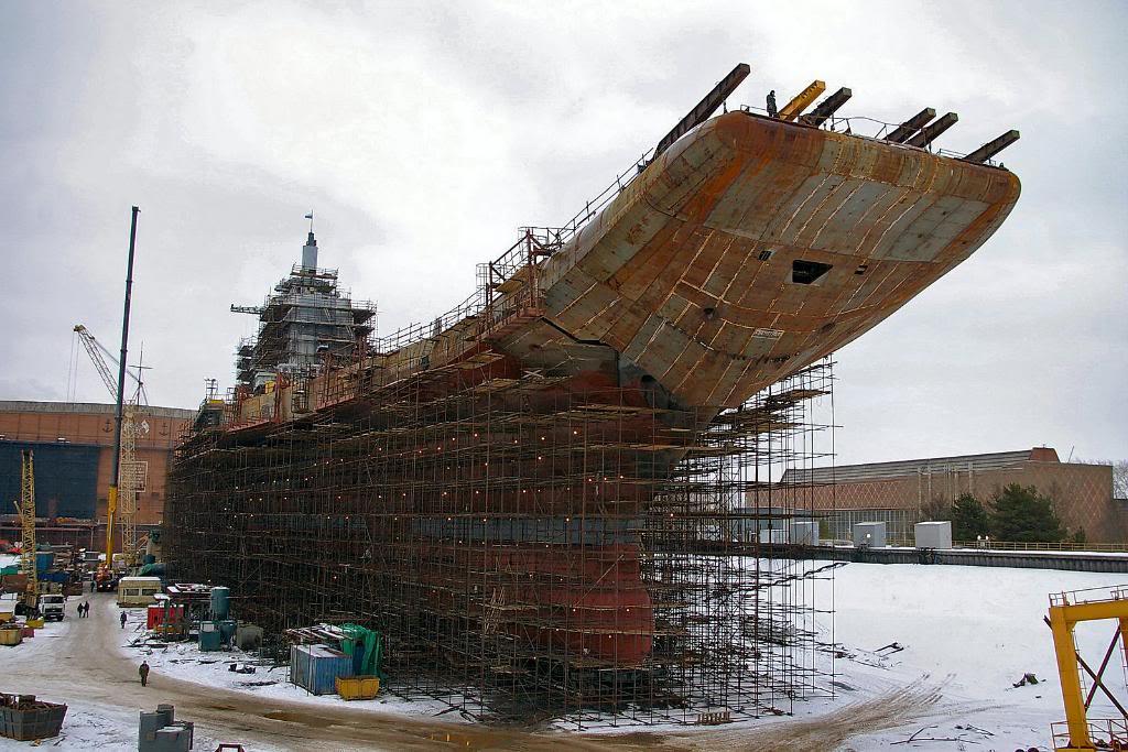 Строительные леса на корпусе авианосца «Викрамадитья» (бывший «Адмирал Горшков»)