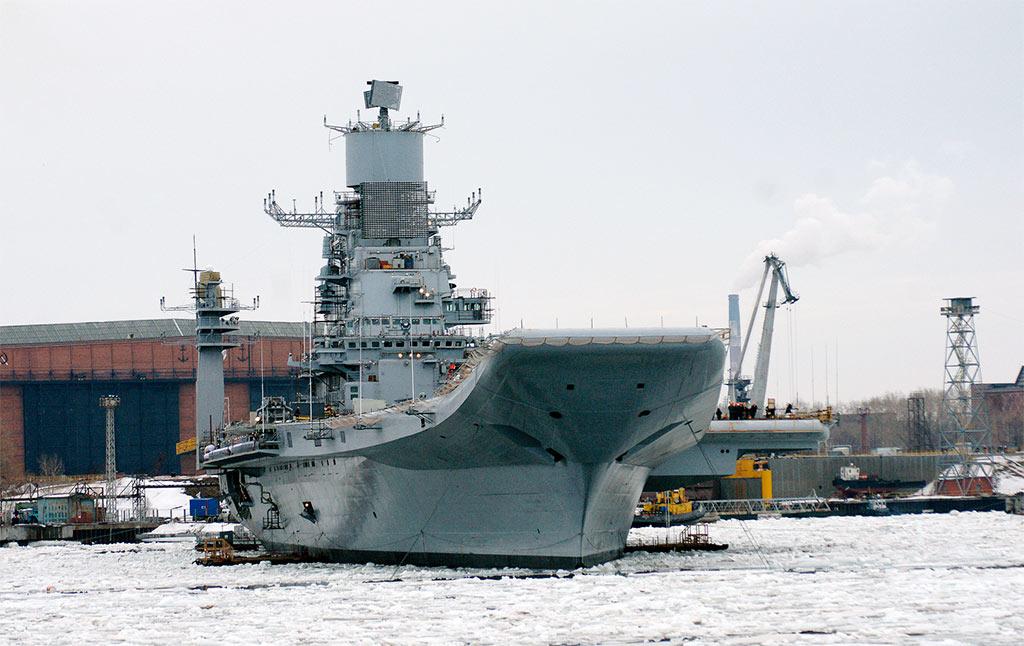 Авианосец «Викрамадитья» (бывший «Адмирал Горшков»), вид спереди