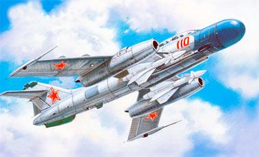 Советский истребитель-перехватчик Як-25 (барражирующий перехватчик)