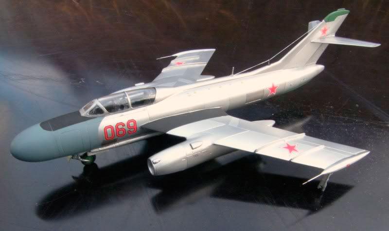 Модель истребителя-перехватчика Як-25