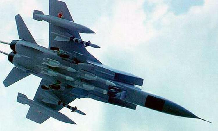 Комплекс вооружения перехватчика МиГ-31. Впечатляет, не так ли?