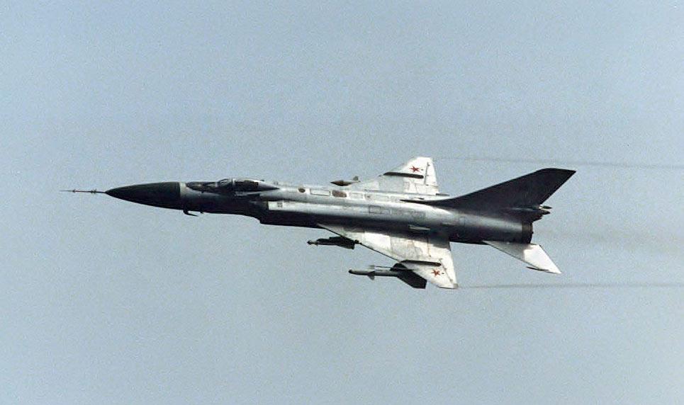 Советский истребитель-перехватчик Су-15