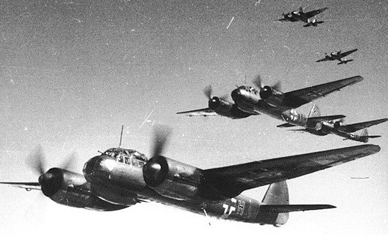 Бомбардировщики Ju-88A-4 из 2-й эскадрильи 30-ой бомбардировочной эскадры, июнь 1943г.