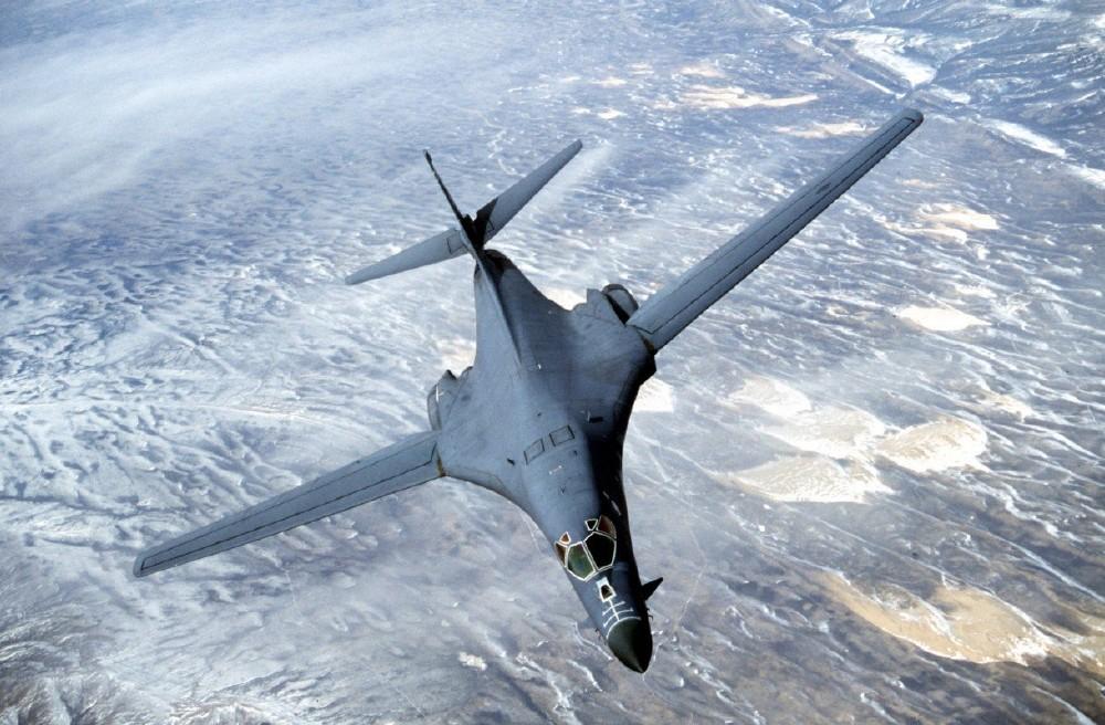 американский стратегический бомбардировщик B-1 «Lancer»
