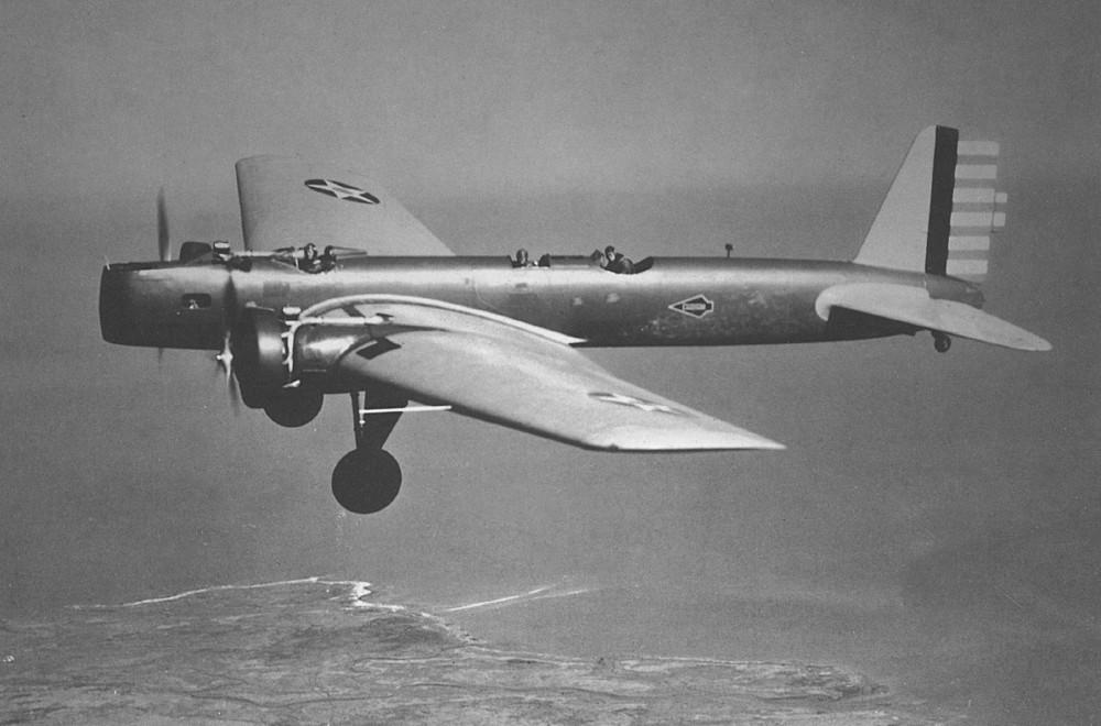 Boeing Y1B-9 - первый цельнометаллический бомбардировщик для воздушного корпуса армии США.