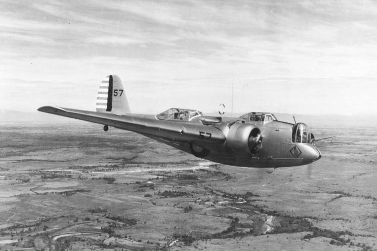 Martin B-10, 1934 год. Американский вариант советского бомбардировщика «СБ» - бомбардировщик, чьи показатели на момент принятия на вооружения, были круче, чем у современных ему истребителей.